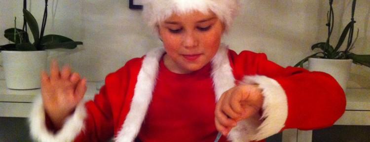 Tomten äter sin julgröt...? nej spagetti är det visst!