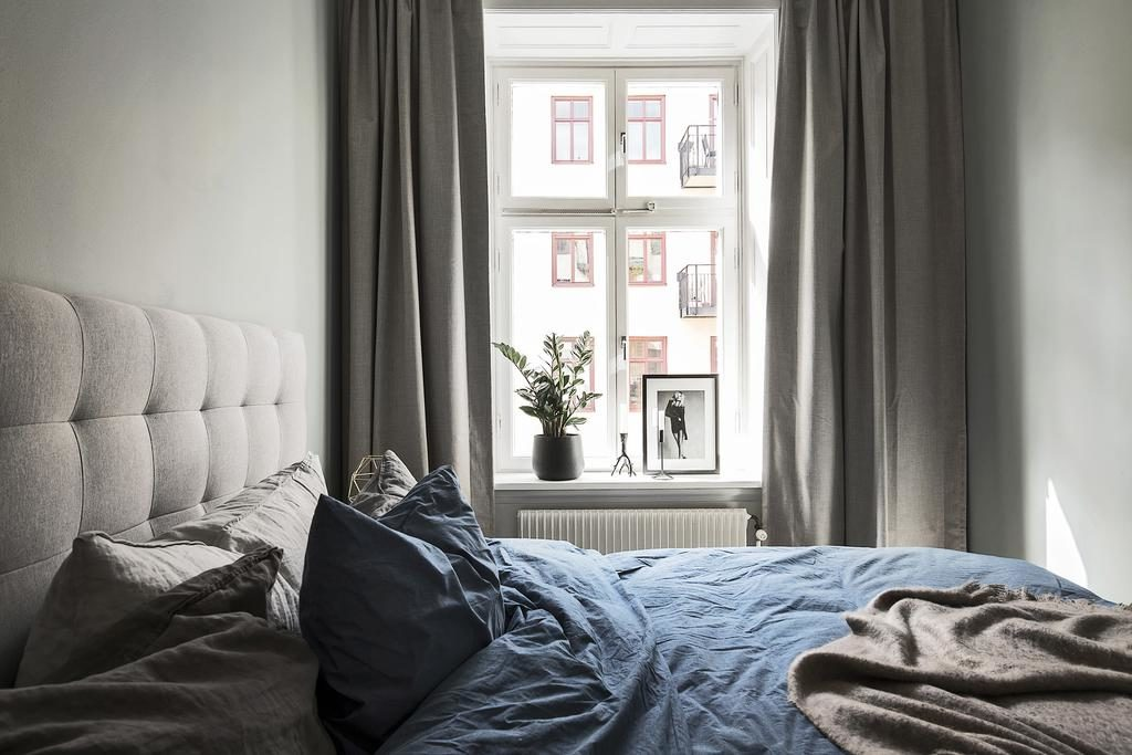 I fönster
