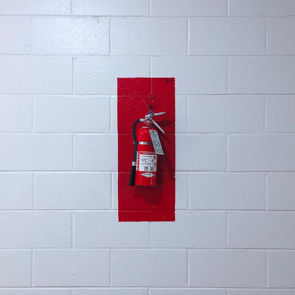 En pulversläckare kan släcka de flesta typer av mindre bränder.